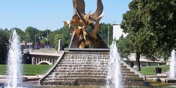 Hillside Fountain- Spirit of Freedom Fountain weddings in Kansas City MO