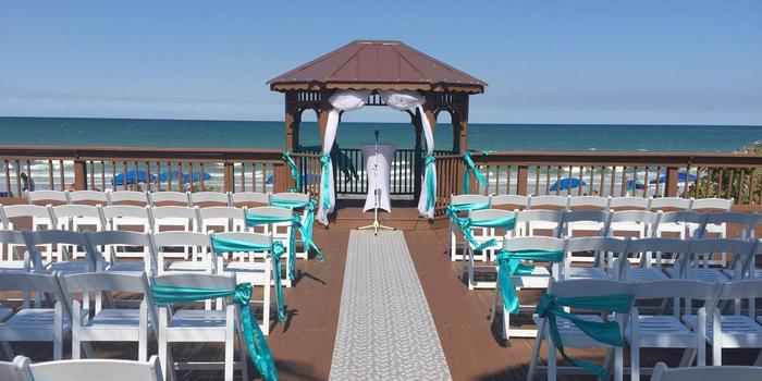 Radisson Suite Hotel Beachfront Wedding Venue Picture 1 Of 8 Provided By