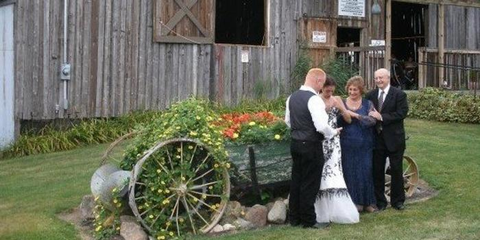 Good Tymes Barn Weddings | Get Prices for Wedding Venues in MI