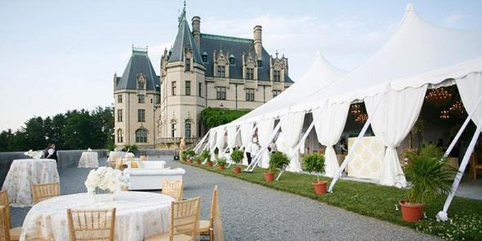 Inn on biltmore weddings get prices for wedding venues in nc for Biltmore estate wedding prices