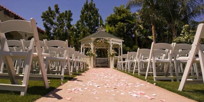 Los Serranos Country Club wedding venue picture 15 of 16 - Photo by: Mario Herrera Photography
