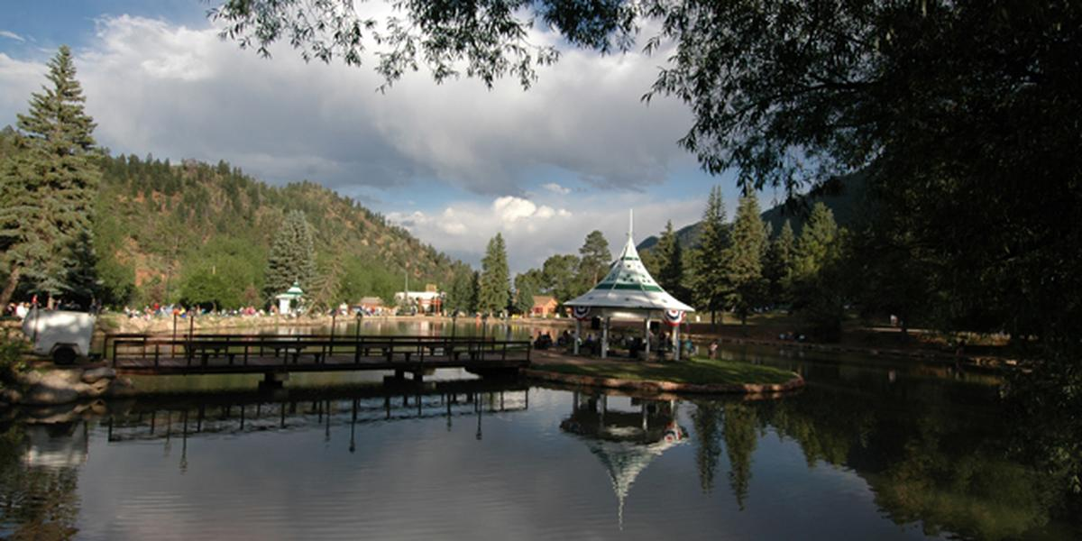 Town of green mountain falls park gazebo island weddings for Best colorado wedding venues