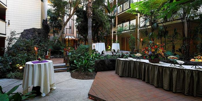 Crowne Plaza San Diego wedding venue picture 6 of 16 - Photo by: Gary Payne Photography