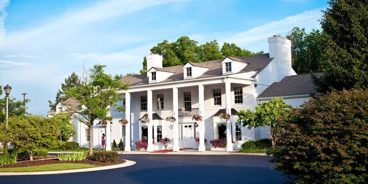 Black Iris Estate Weddings | Get Prices for Wedding Venues ...