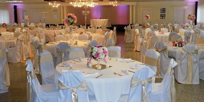 Woodhaven Country Club wedding venue picture 1 of 8 - Provided by: Woodhaven Country Club