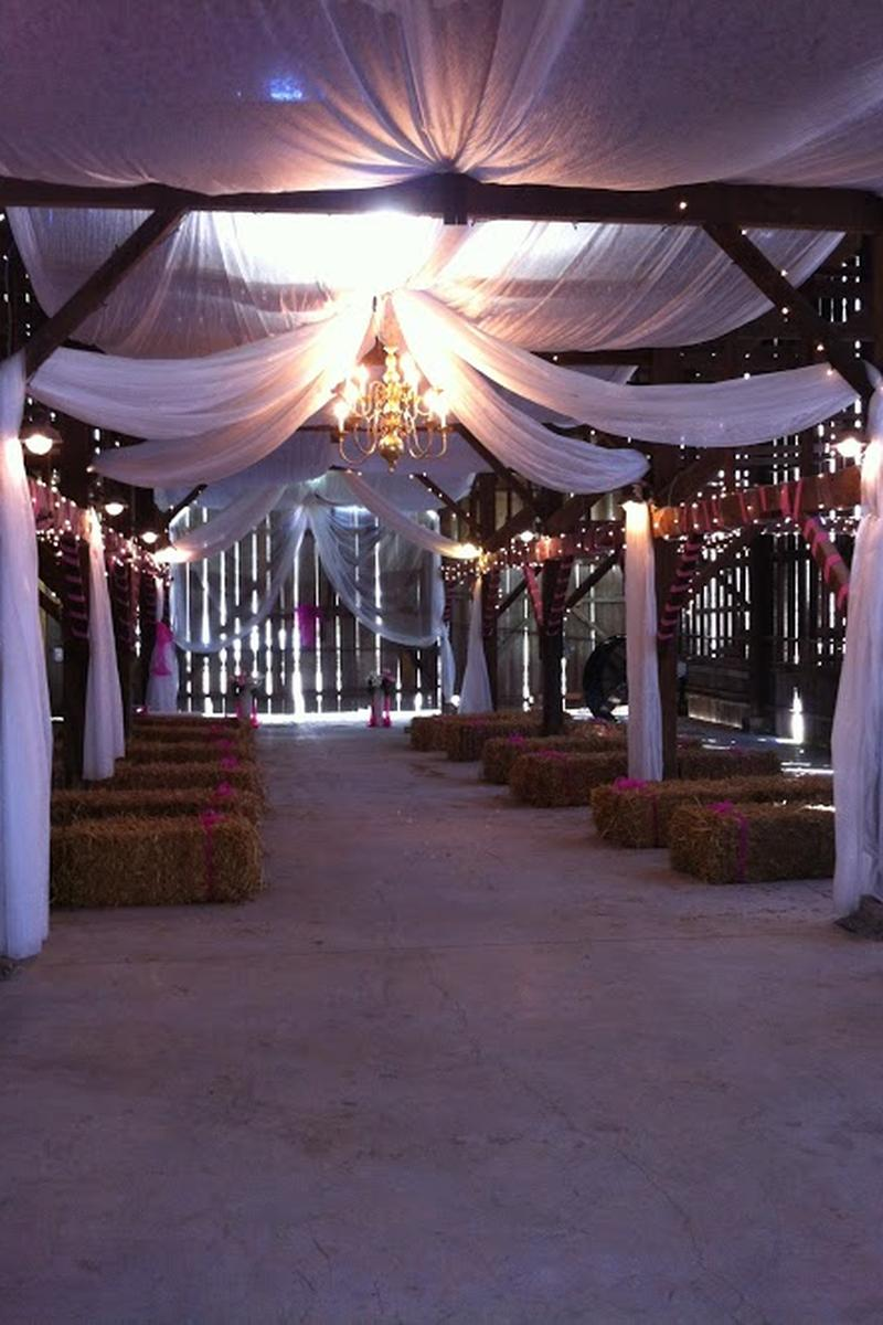 Red Orchard Barn Weddings Get Prices For Wedding Venues