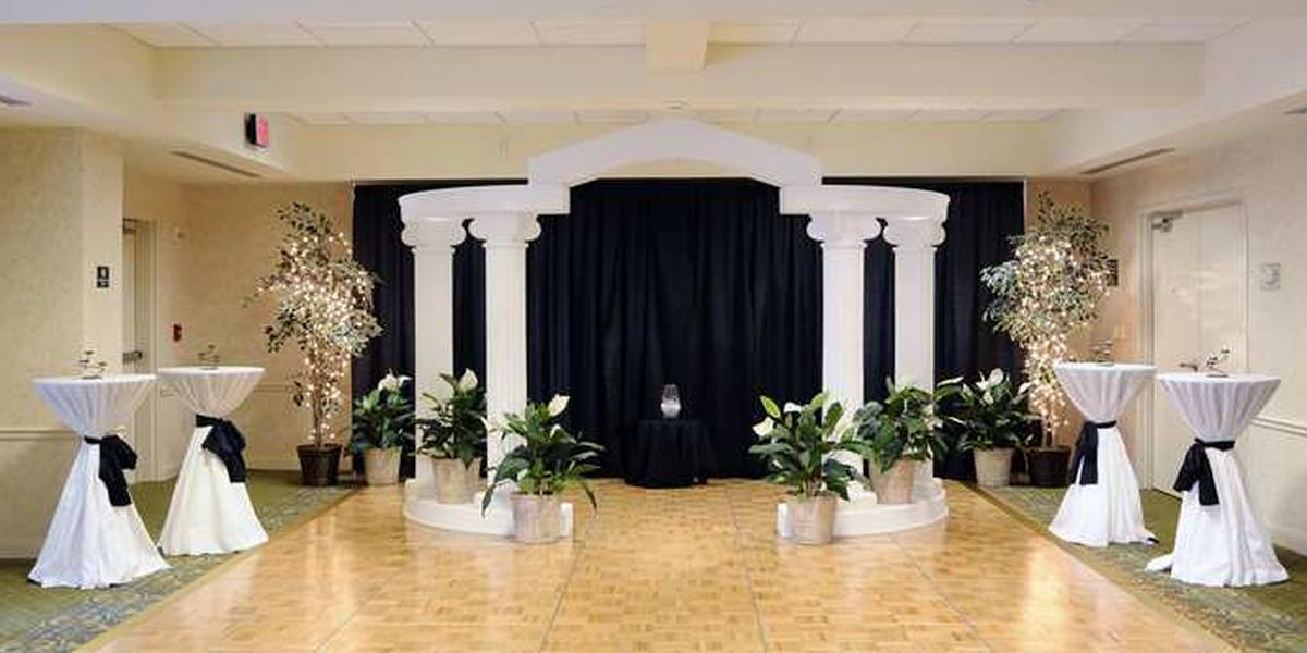 Hilton garden inn rock hill weddings get prices for for Landscaping rocks columbia sc