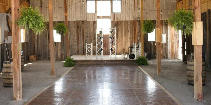 Stone S Throw Farm Weddings Get Prices For Wedding