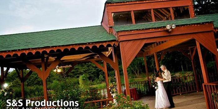 Whispering Pines Inn wedding venue picture 8 of 8 - Photo by: S&S Productions Fine Art Photography