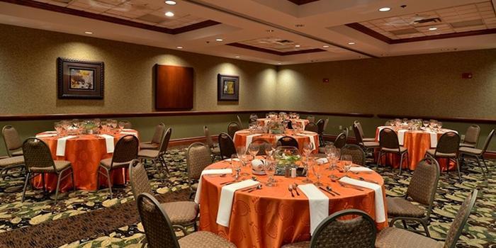 embassy suites nashville at vanderbilt weddings. Black Bedroom Furniture Sets. Home Design Ideas