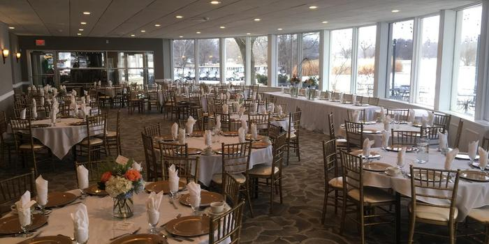 Lake Windsor Country Club Weddings | Get Prices for ...