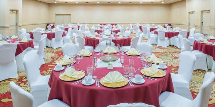 Crowne Plaza Kansas City - Overland Park wedding venue picture 1 of 8 - Provided by: Crowne Plaza