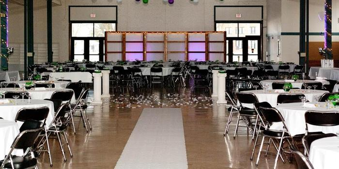 Kansas State Fairgrounds Weddings Get Prices For Wedding Venues In Ks