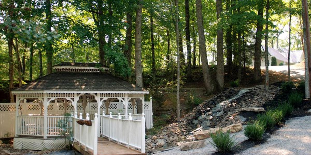 Chapel At Honeymoon Hills Weddings