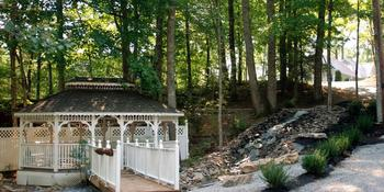 Gatlinburg Wedding Chapel at Honeymoon Hills weddings in Gatlinburg TN