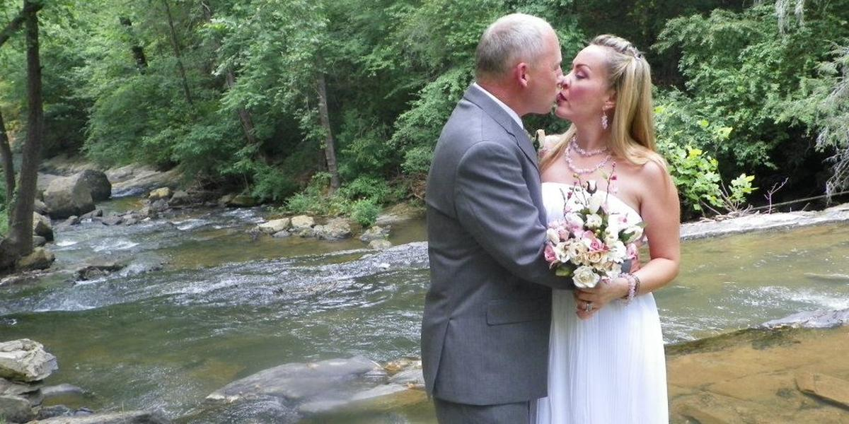 Friendly Falls Weddings | Get Prices for Wedding Venues in TN