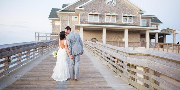 Jennette 39 s pier weddings get prices for wedding venues in nc for Jennette s fishing pier