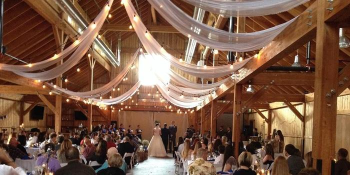 The Big Red Barn At Highland Meadows Weddings Get Prices For