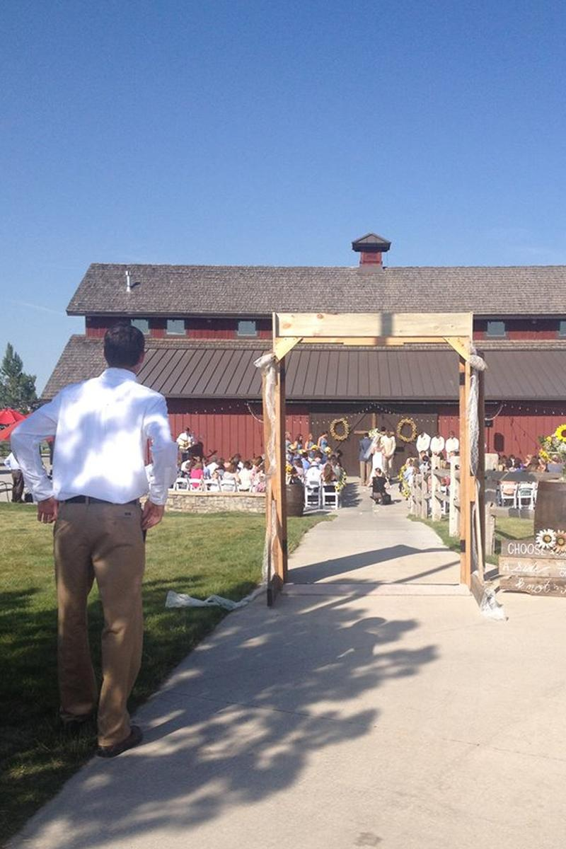 The Big Red Barn At Highland Meadows Weddings Get Prices