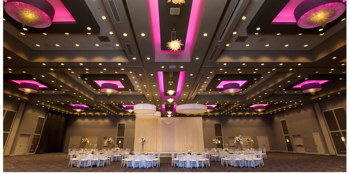 The J Bar Amp Embassy Suites Kansas City Olathe Weddings