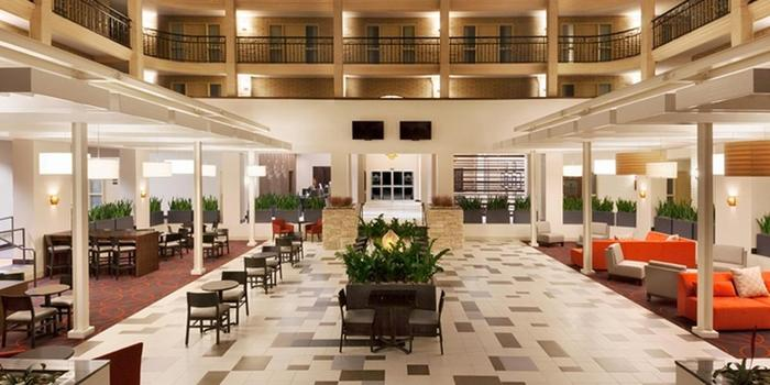 Embassy Suites Baton Rouge Weddings | Get Prices for ...