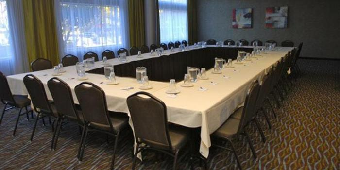 Holiday Inn Express-Boise University Area wedding venue picture 1 of 5 - Provided by: Holiday Inn Express BOISE-UNIVERSITY AREA