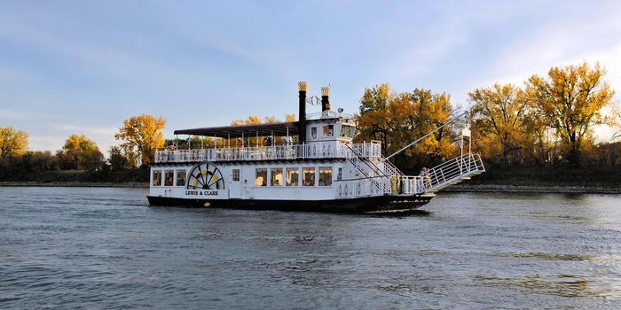 Lewis and Clark Riverboat wedding venue picture 5 of 6 - Provided by: Lewis and Clark Riverboat