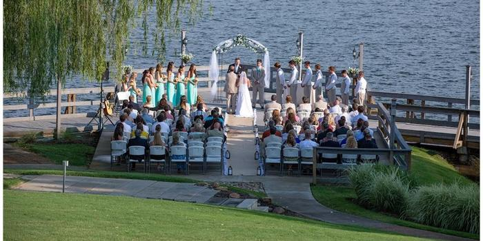 Tellico Village Yacht Club wedding venue picture 3 of 8 - Photo by: Hodges Photography