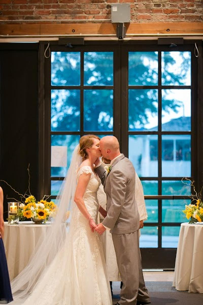 Thompson Barn wedding venue picture 6 of 9 - Photo by: Pond Photography