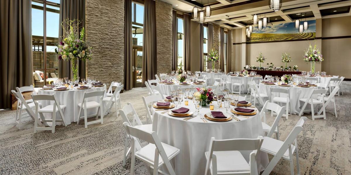 Get Prices For Wedding Venues: Hampton Inn & Suites Napa Weddings