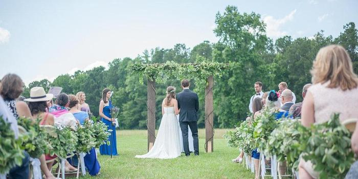 Raleigh Nc Outdoor Wedding Venue: The Barn & Gardens Of The Little Herb House Weddings