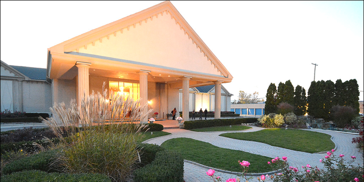 Shelby Gardens Weddings | Get Prices for Wedding Venues in MI