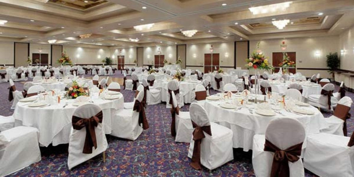 renaissance philadelphia airport hotel weddings. Black Bedroom Furniture Sets. Home Design Ideas