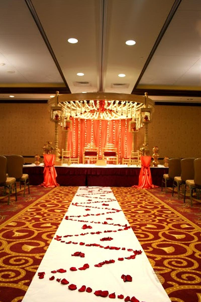crowne plaza milwaukee west weddings get prices for. Black Bedroom Furniture Sets. Home Design Ideas