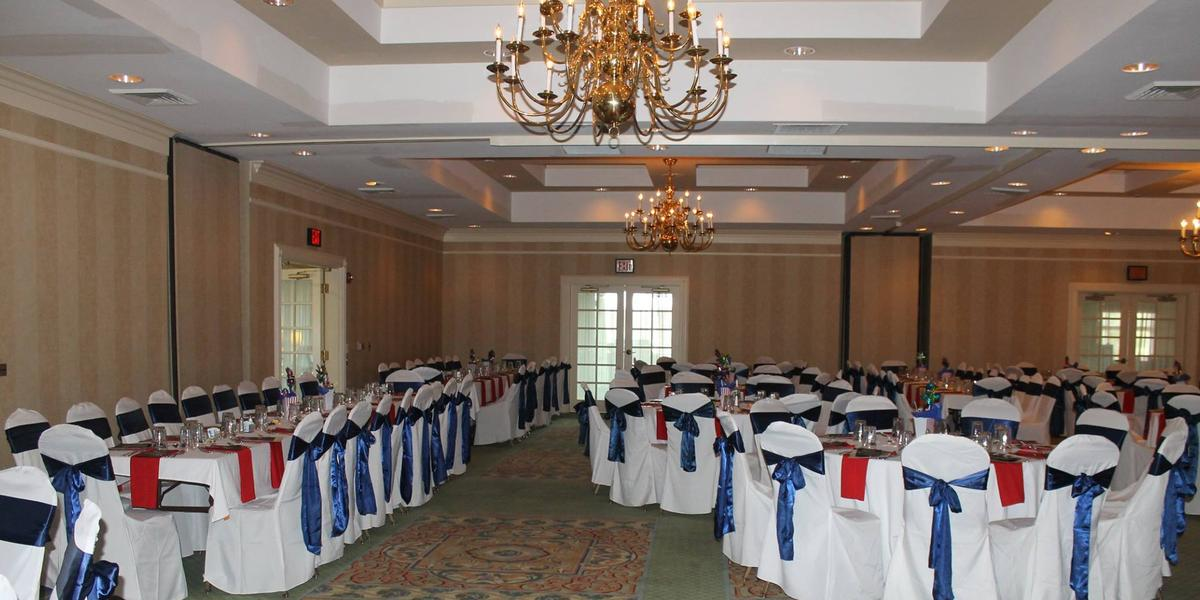 Clarksville Country Club Weddings | Get Prices For Wedding Venues