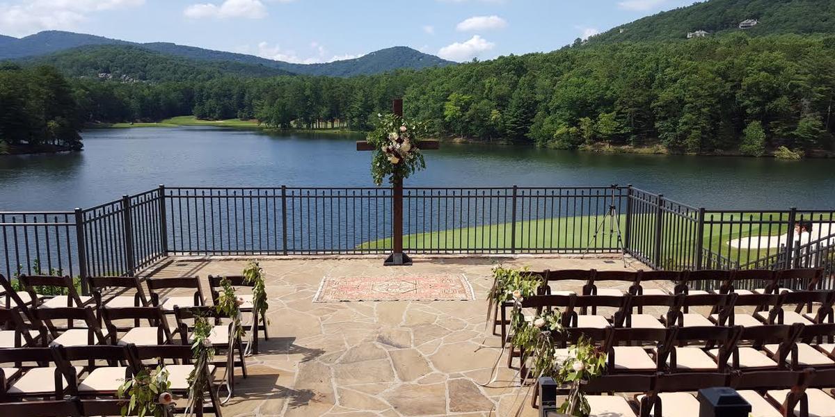 The clubhouse at big canoe lake sconti weddings for Big canoe