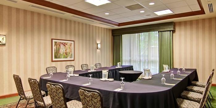 Hilton Garden Inn SeattleIssaquah Weddings