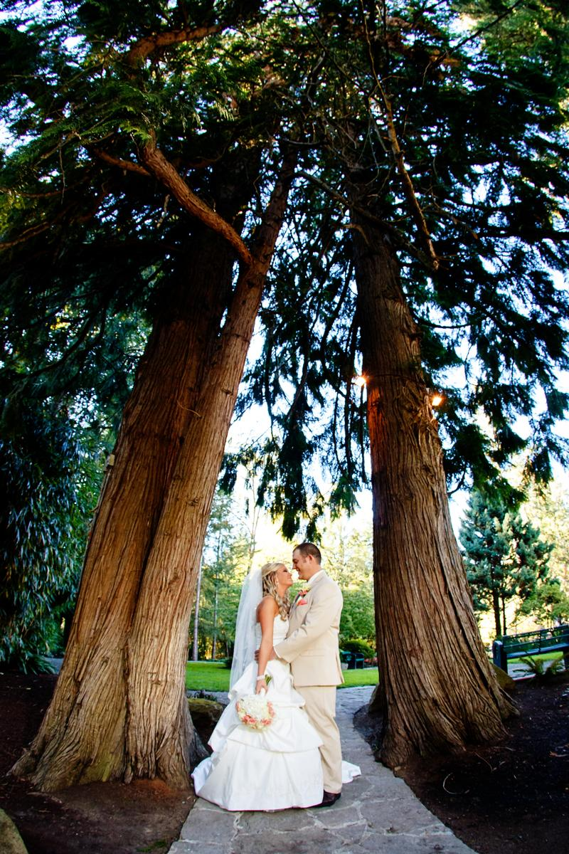 Lakeside Gardens wedding venue picture 7 of 8 - Provided by: Lakeside Gardens