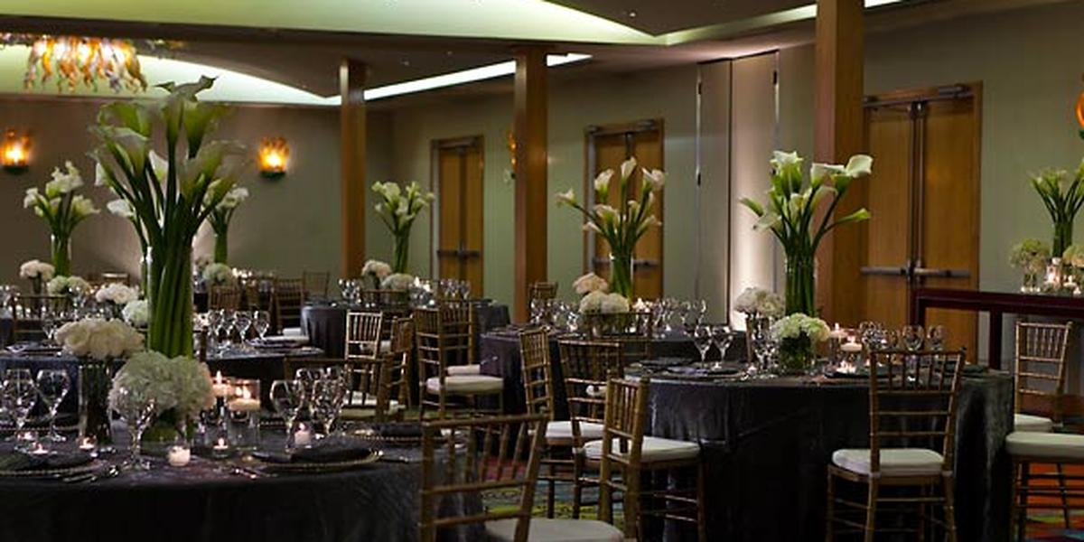 Renaissance Pere Marquette Hotel Weddings
