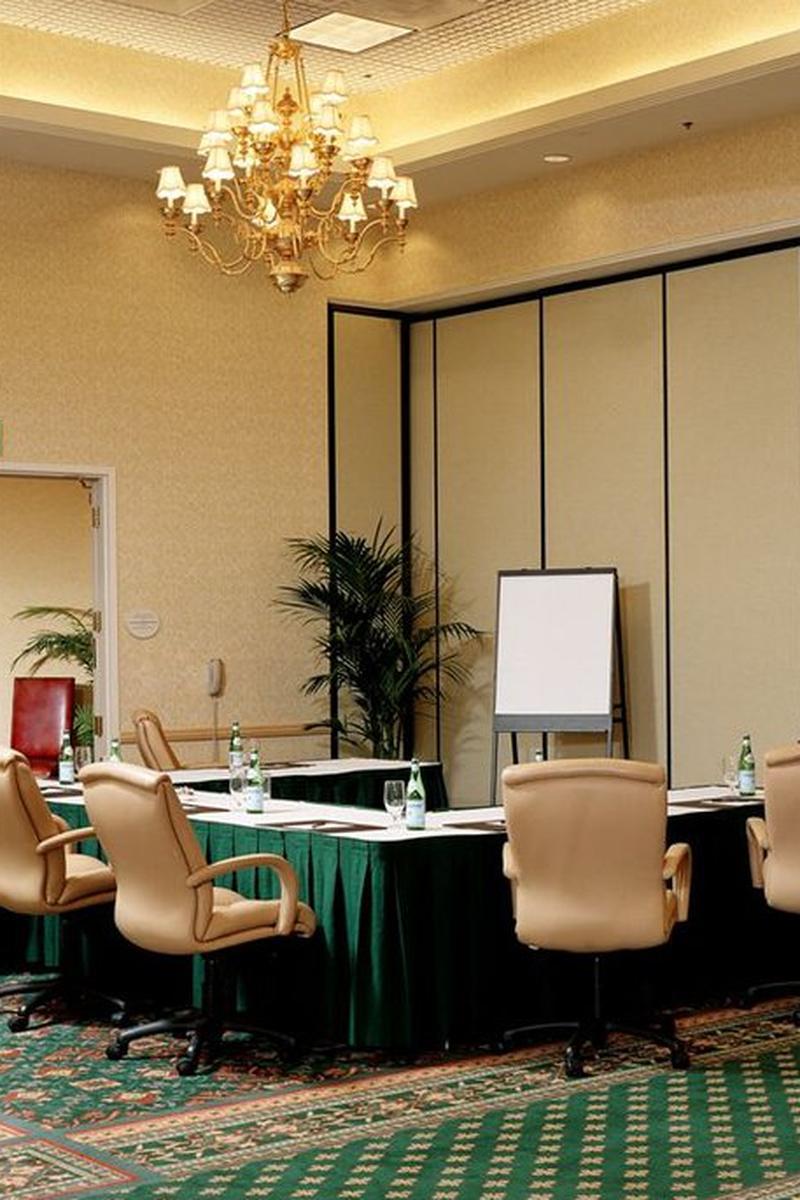 Anaheim Marriott Suites Weddings Get Prices For Wedding Venues In Ca