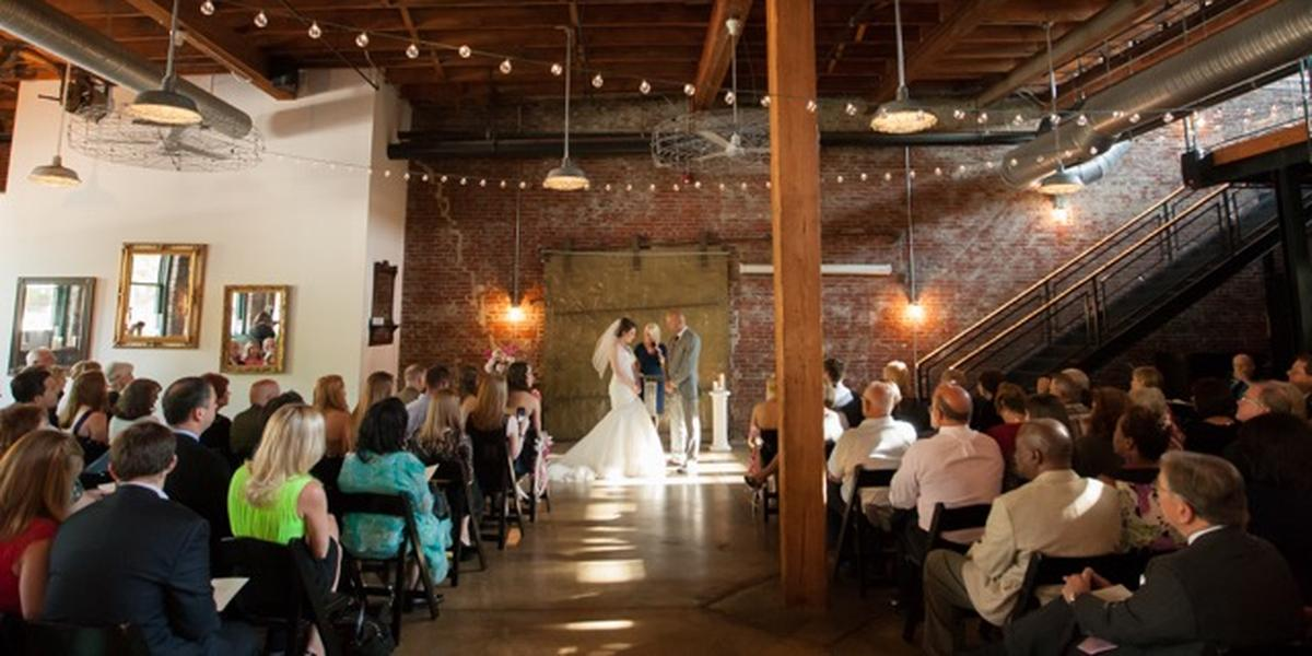SqWires Restaurant Weddings | Get Prices for Wedding ...