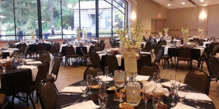 Cascades Manor House Weddings In Jackson Mi