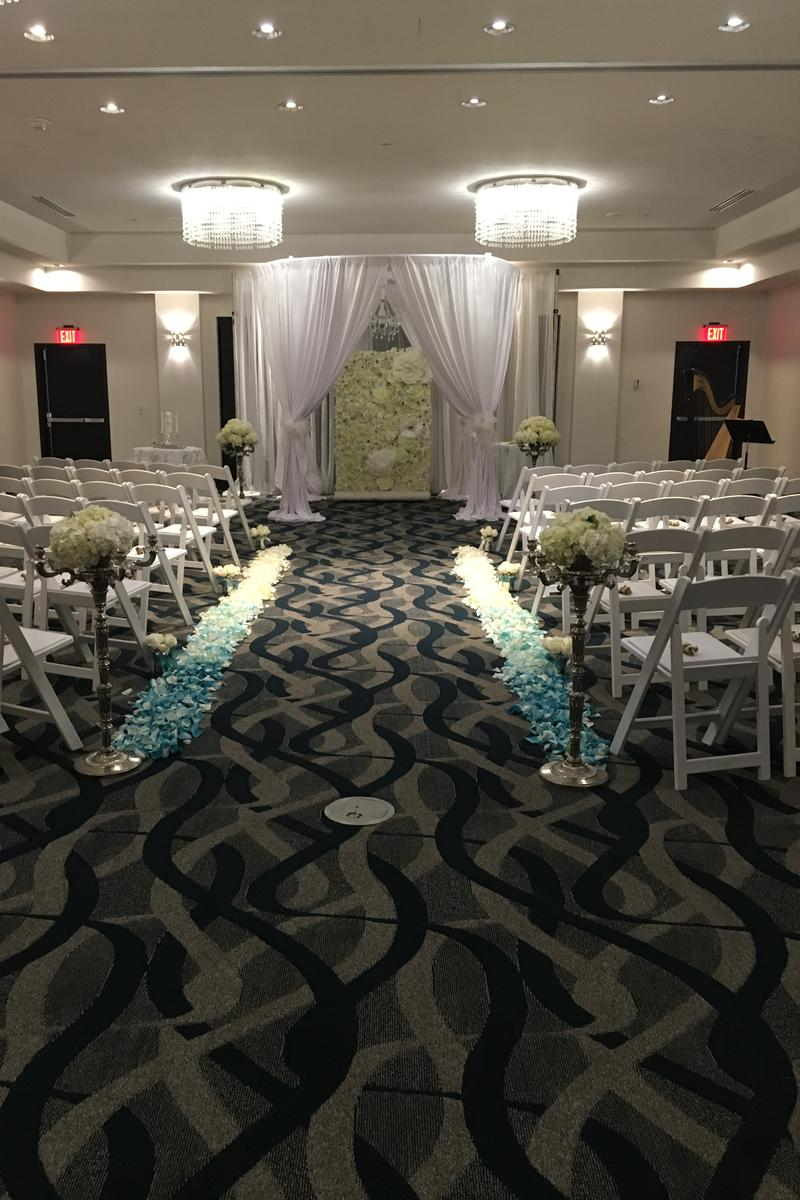 B Resort Amp Spa Lake Buena Vista Weddings Get Prices For