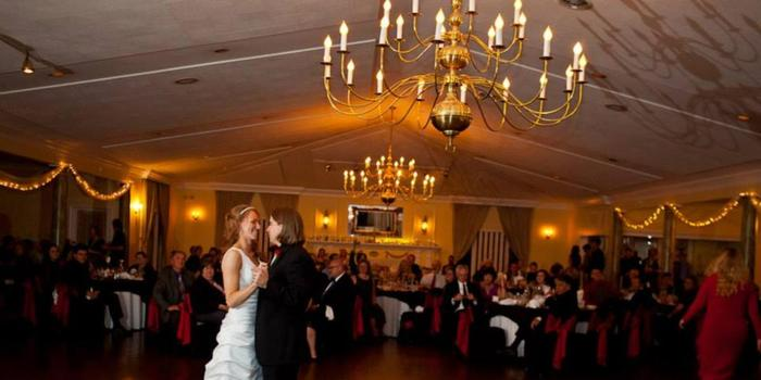 Bowling Green Country Club wedding venue picture 15 of 16 - Provided by: Aaron Riddle Photography