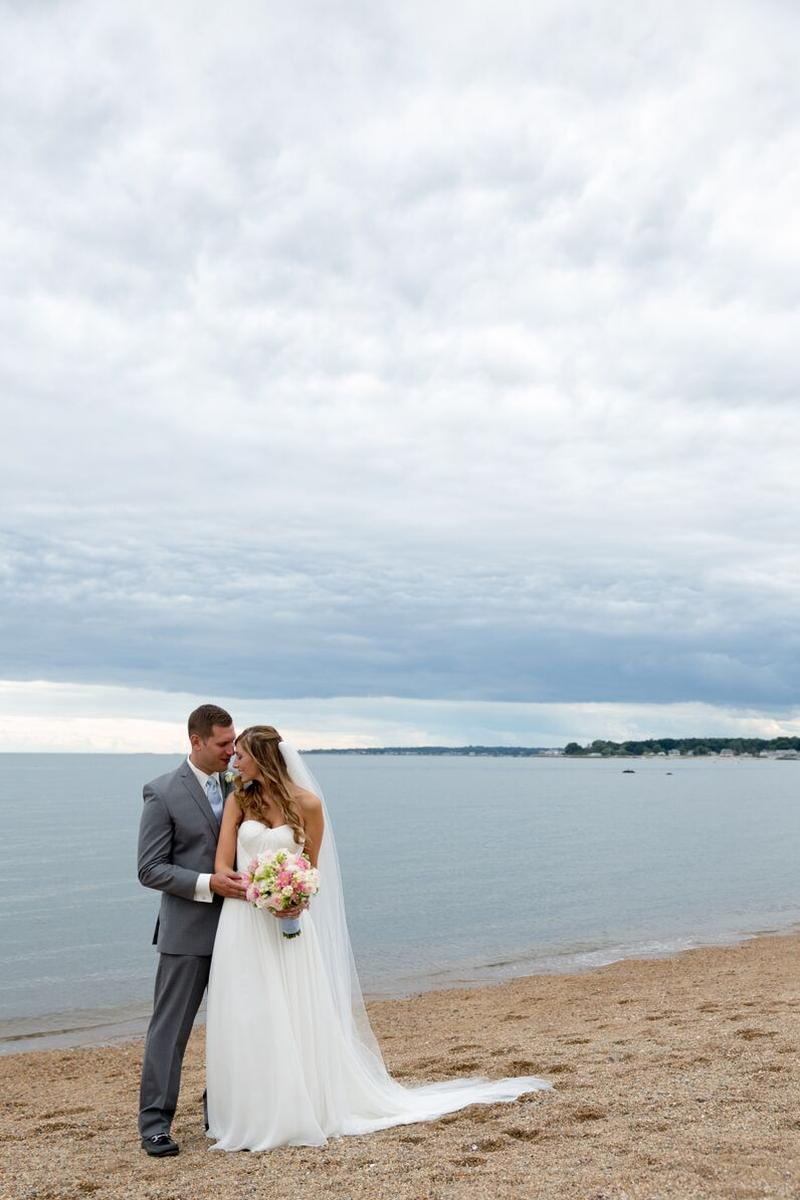Madison Beach Hotel wedding venue picture 13 of 16 - Photo by: Leslie Dumke Studio