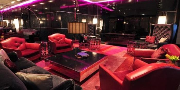 Prohibition weddings get prices for wedding venues in mn for Living room steakhouse brooklyn