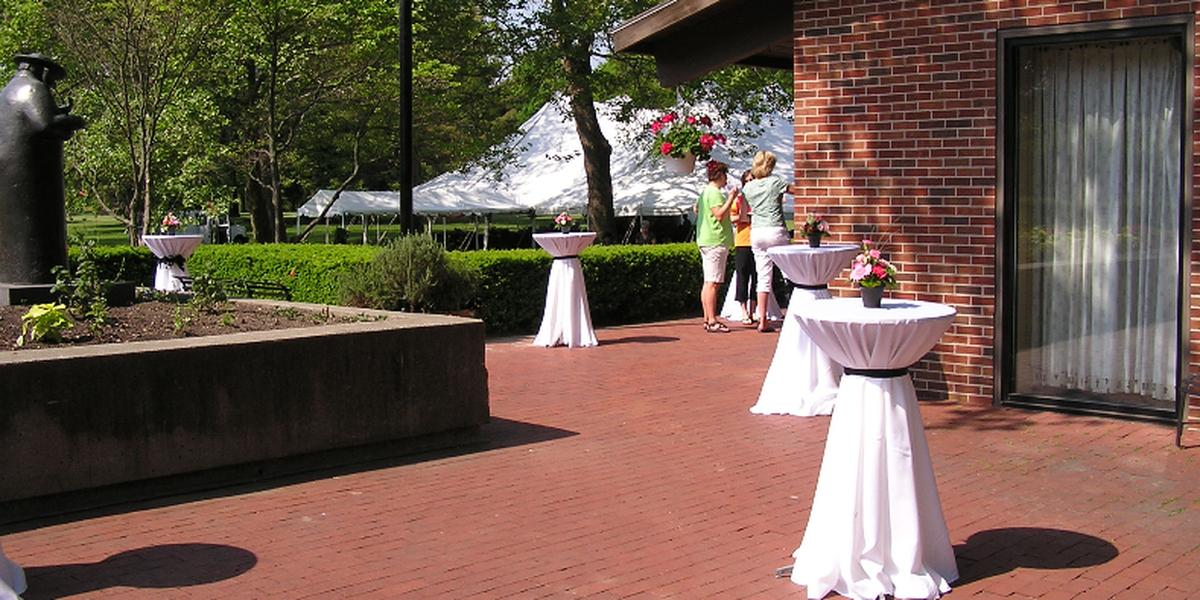 Get Prices For Wedding Venues: Toledo Botanical Gardens Weddings
