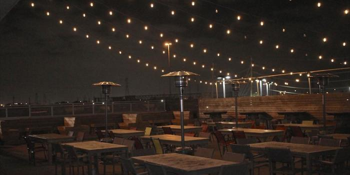 The Rooftop Bar and Grill on Calhoun wedding Houston