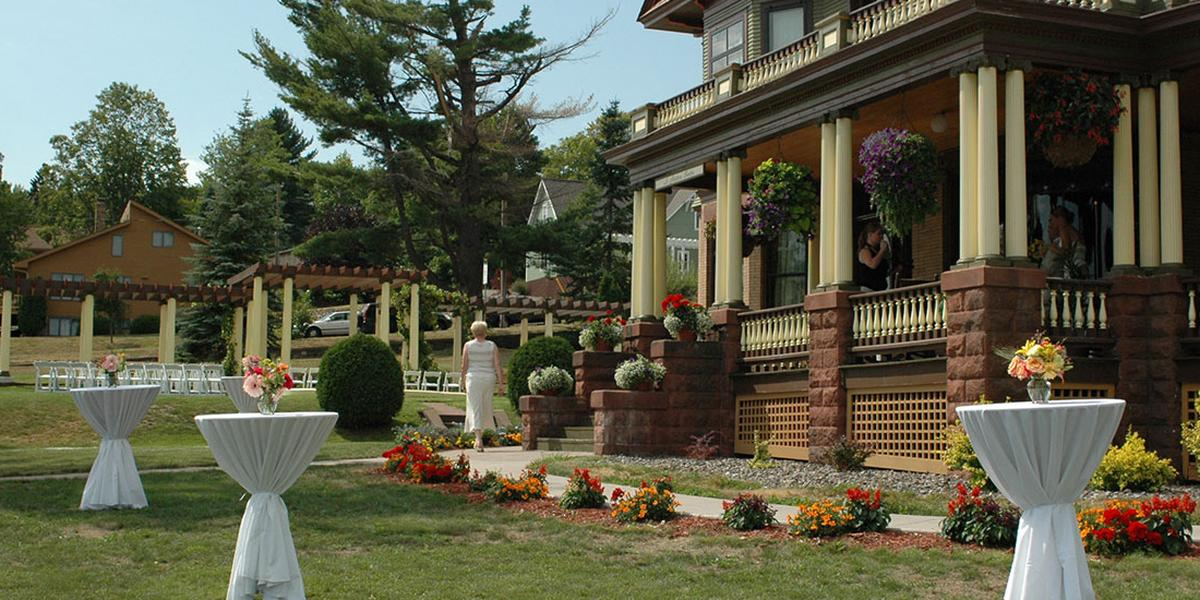 Old Rittenhouse Inn Weddings | Get Prices For Wedding Venues In WI