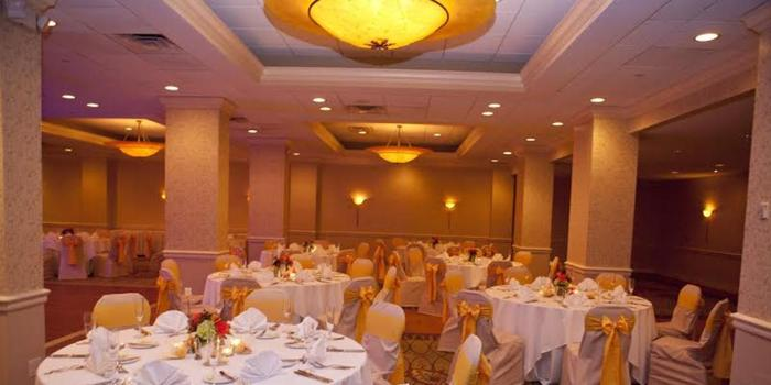 DoubleTree by Hilton Deerfield Beach-Boca Raton wedding venue picture 9 of 16 - Provided by: Wendy J Studios